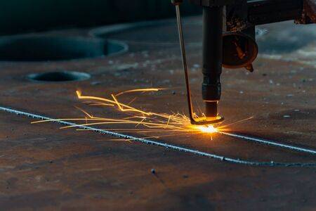 laser cutting with melting